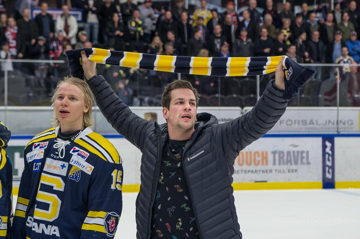 Christofer Blid firar efter allsvenskt avancemang. Foto: David Nilsson Hamne