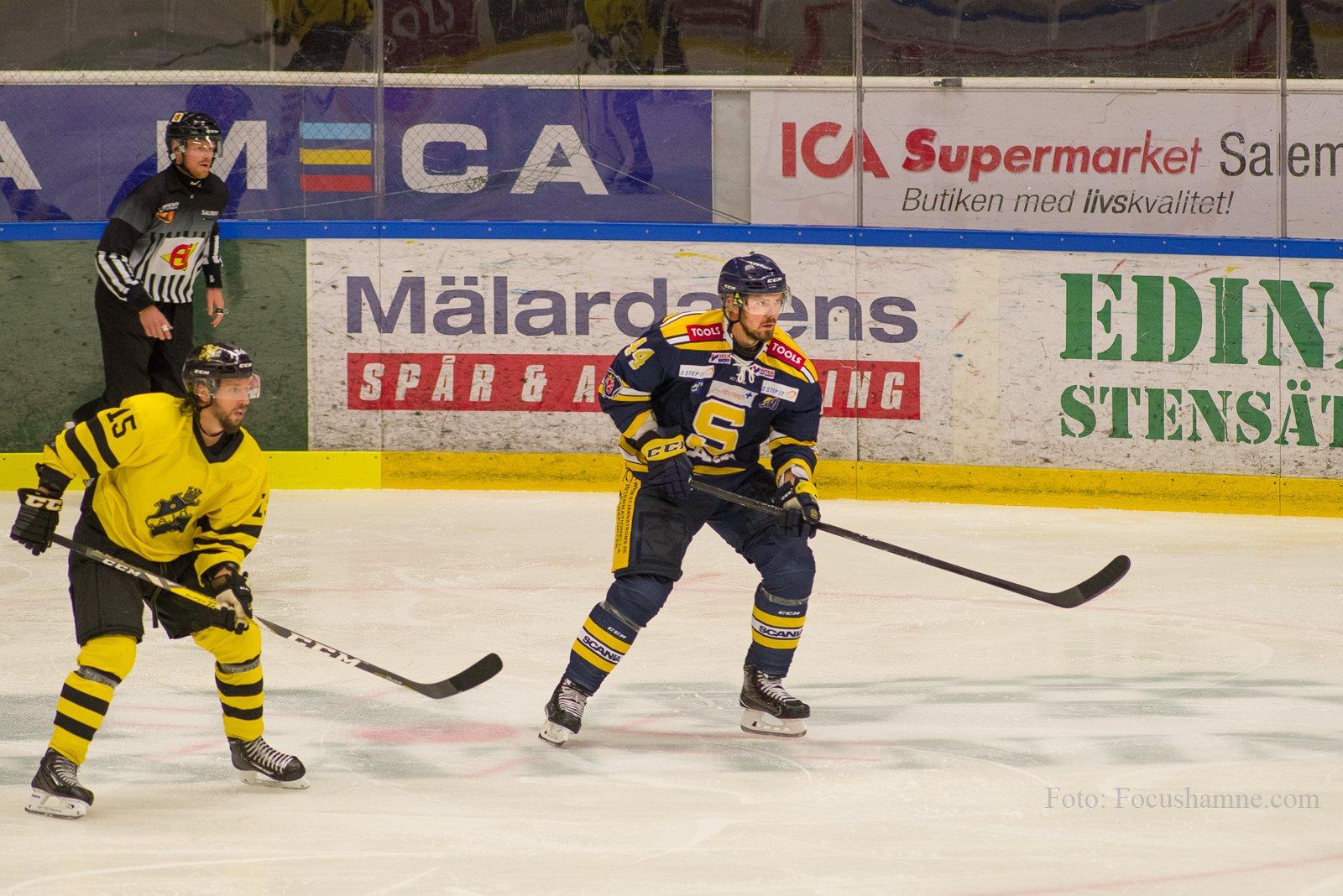 Nicklas Grossmann på isen mot AIK. Foto: David Nilsson Hamne.