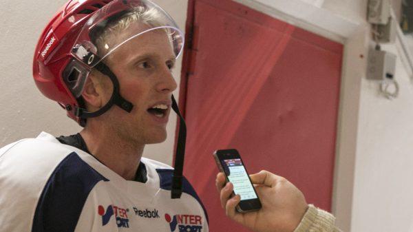 Jake Marto intervjuas av Uppdragsport.se. Foto: Richard Himberg.