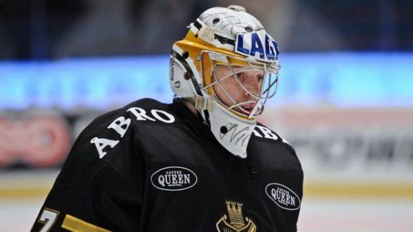 Niklas Lundström i AIK-mundering.