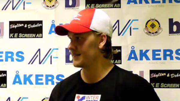 Martin Backholm, här i intervju medÅker/Strängnäs tv-team.