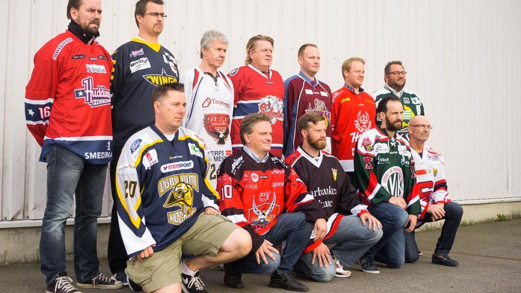 Tränarna i division-1 Östra. Foto: David Nilsson Hamne